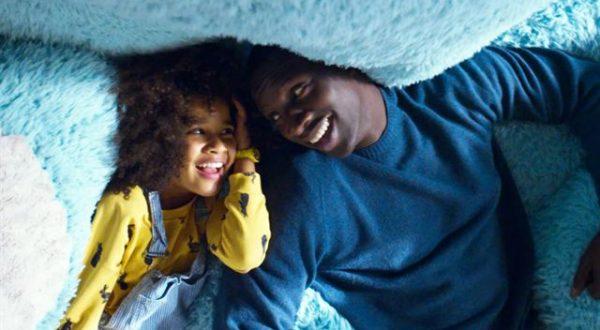 """""""Famiglia all'improvviso"""": Omar Sy papà a Londra"""