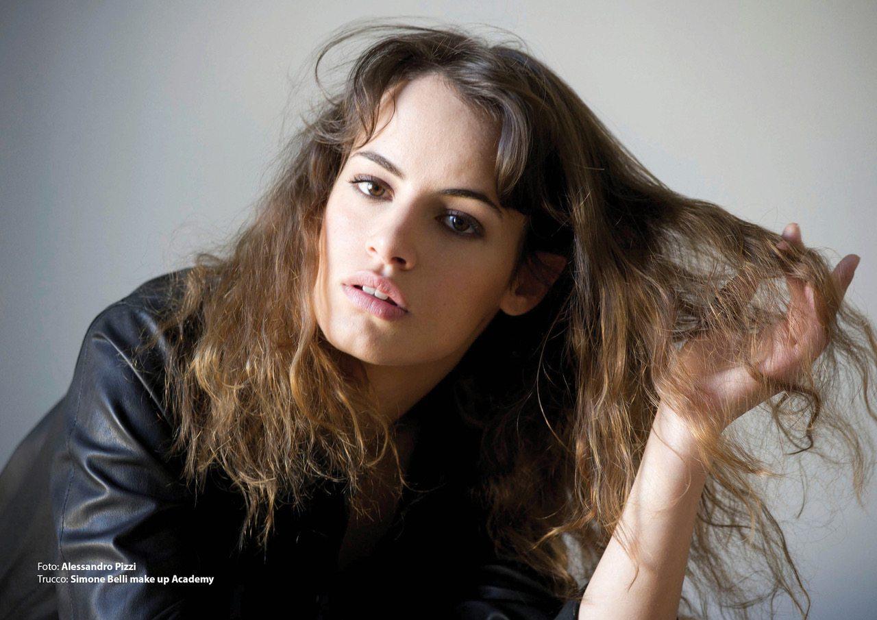 """Angela Curri angela curri: «le mie donne angeliche, da """"braccialetti"""