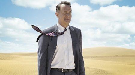 """""""Aspettando il re"""", Tom Hanks cambia vita nel deserto: la recensione"""