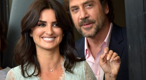 Venezia 74: sul red carpet Javier Bardem, Penélope Cruz, Jim Carrey (foto)