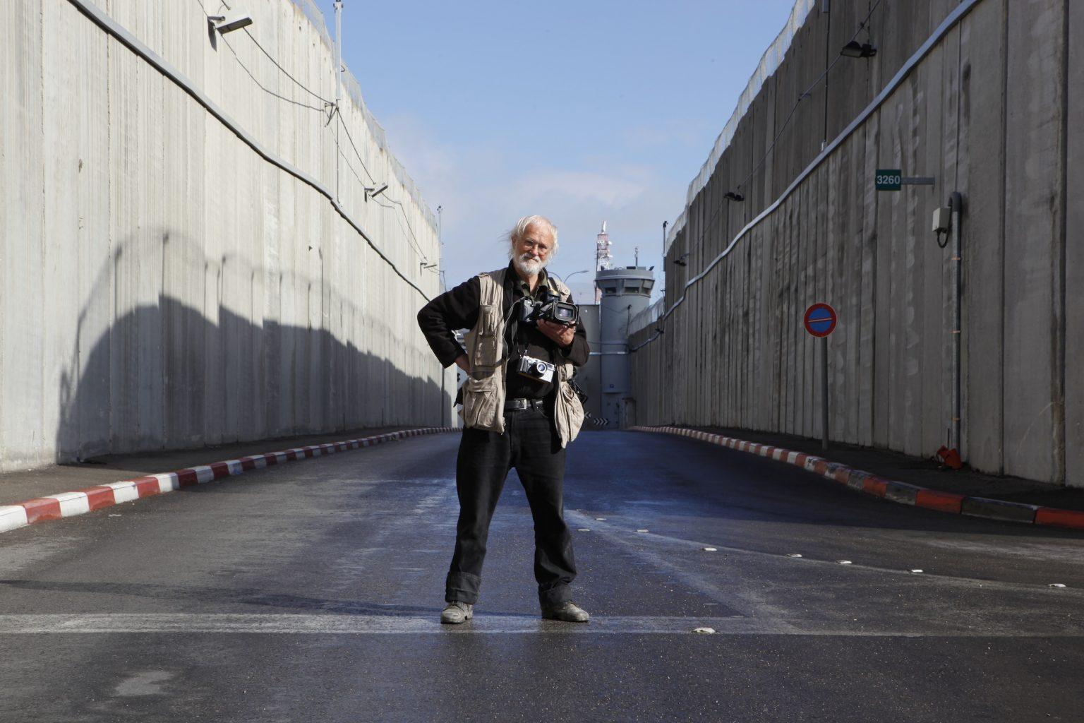 """Koudelka fotografa la Terra santa"": al cinema il film-documento sul celebre fotografo"