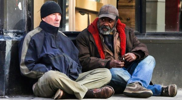 Richard Gere e la vita dimenticata degli homeless: Gli invisibili è su TIMVISION
