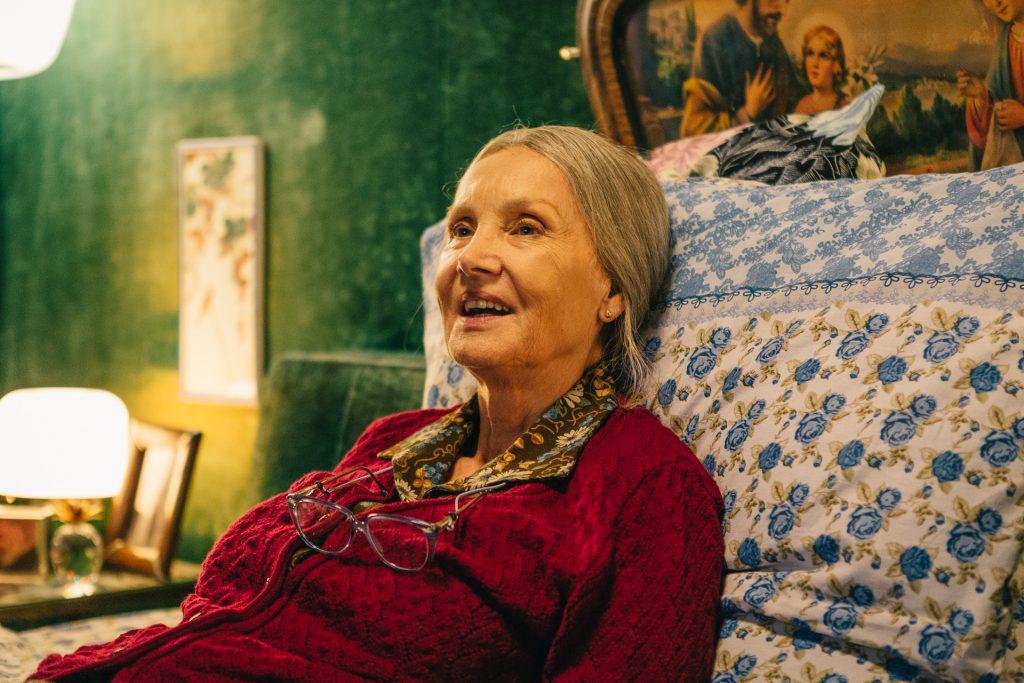 Barbare Bouchet Metti la nonna di freezer