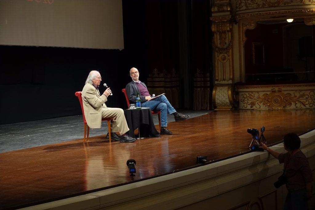 Vittorio Storaro con Fabio Ferzetti, critico cinematografico, che ha moderato l'incontro al Bif&st